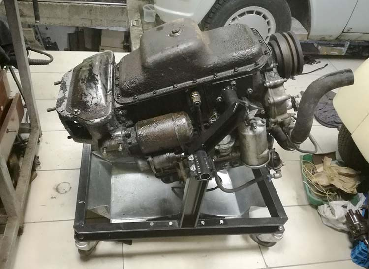 Стенд двигателя