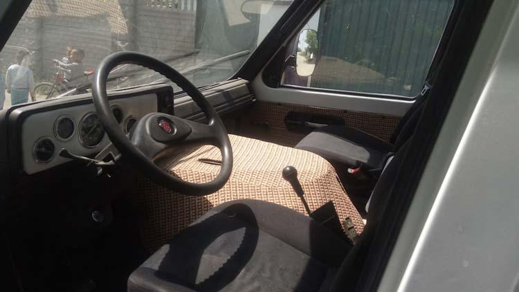 кабина автомобиля раф