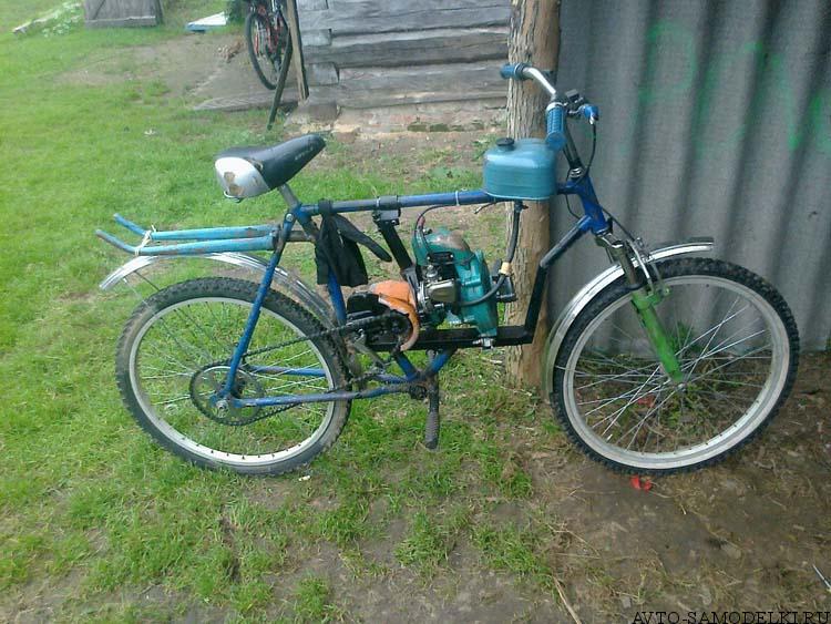 устанавливаем двигатель бензопилы дружба на велосипед